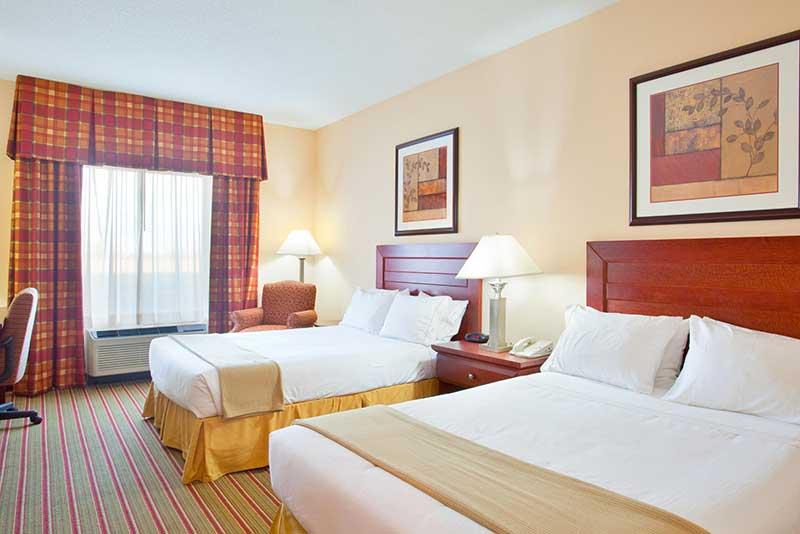 https://hibourbonnais.com/wp-content/uploads/2016/09/two-double-beds-Holiday-Inn-Express-Suites-Bourbonnais.jpg