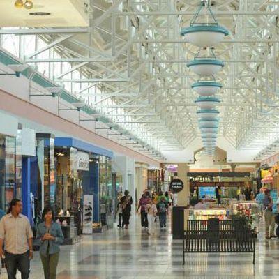 https://hibourbonnais.com/wp-content/uploads/2017/04/northfield-square-mall.jpg