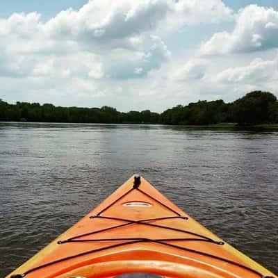 https://hibourbonnais.com/wp-content/uploads/2017/04/reeds-canoe-trips.jpg